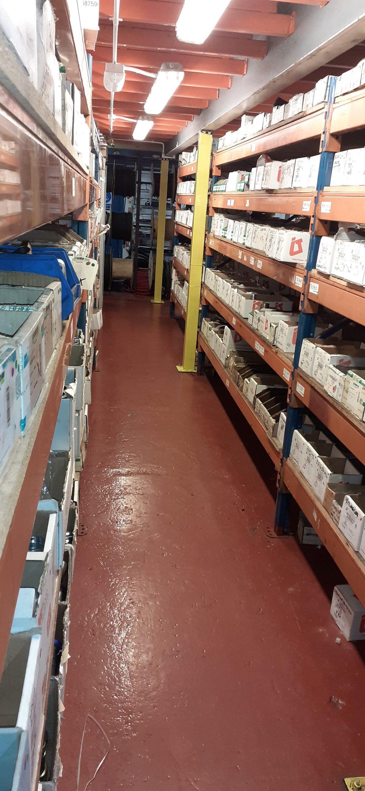 M&R Warehouse