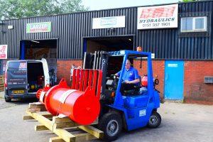 Unloading a Large Pneumatic & Hydraulic Actuator